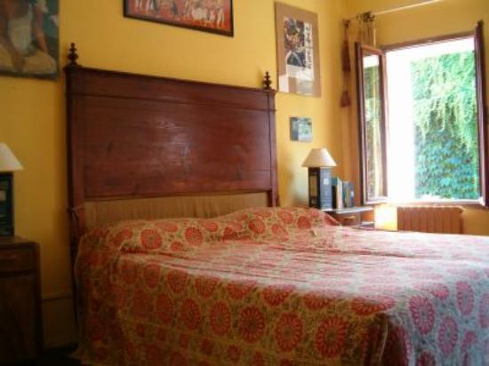 Il Giardino Segreto: another view of master bedroom