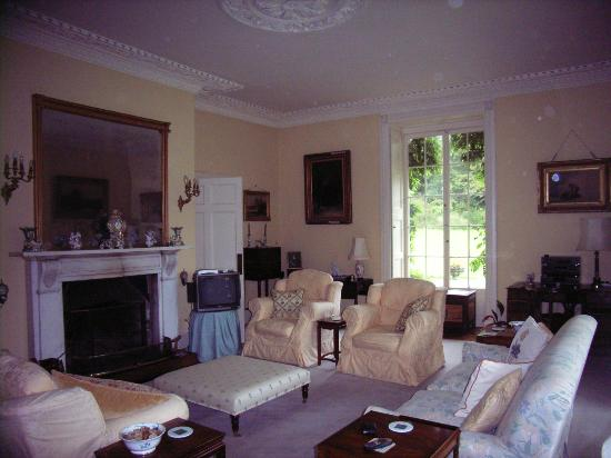 Peniarth Uchaf: Drawing Room, great sofas