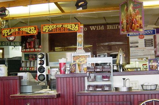 Wild Bills Hamburgers & Ice Cream: interior