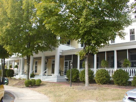The Henry Clay Inn: Front of Henry Clay Inn