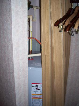 Howard Johnson Plaza Hotel - Ocean City Oceanfront: Our water heater, I mean closet.
