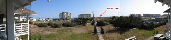 First Colony Inn: Ocean-side panorama - view from back balcony of hotel