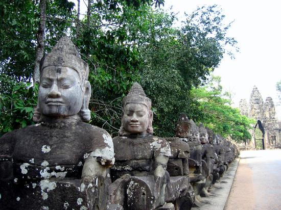 Siem Reap, Cambodia: Bridge to Angkor Thom