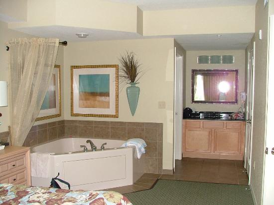 Hot Tub In Master Bedroom Picture Of Bluegreen Fountains Resort Orlando Tripadvisor