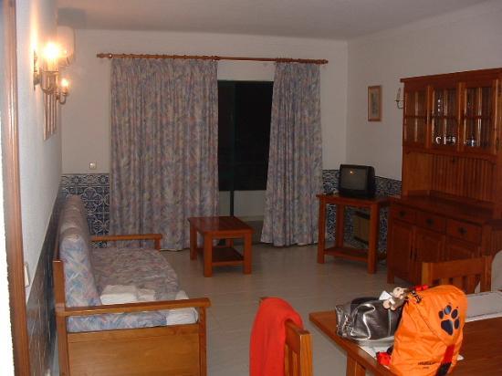 Cerro Mar Atlantico Touristic Apartments: living room