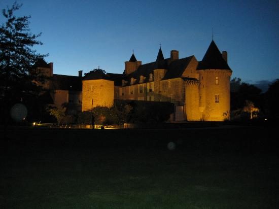 Colombieres, Francia: night time illumination