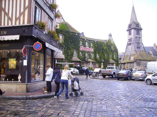 Honfleur, Fransa: Campanario de Iglesia Ste. Catherine