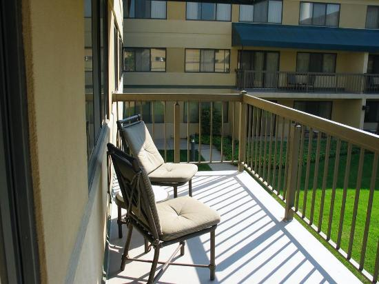 Miamisburg, OH : View of balcony.
