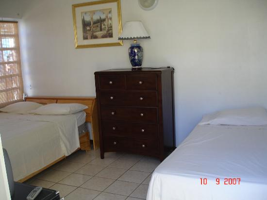 Mont Caribe Guesthouse: room