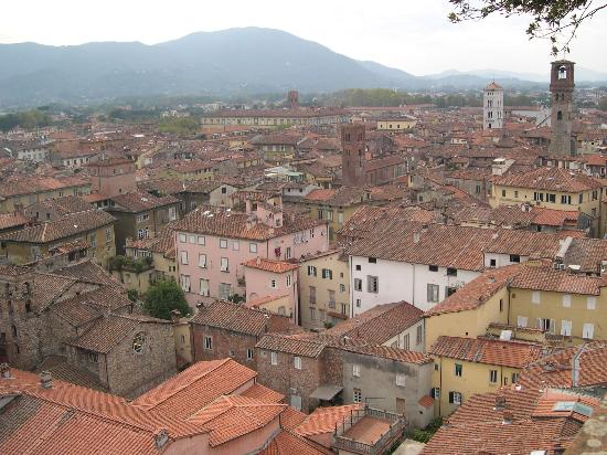 B&B Alla Dolce Vita: the rooftops of Lucca