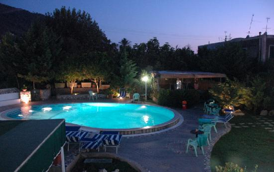 Hotel Carmencita swimming pool