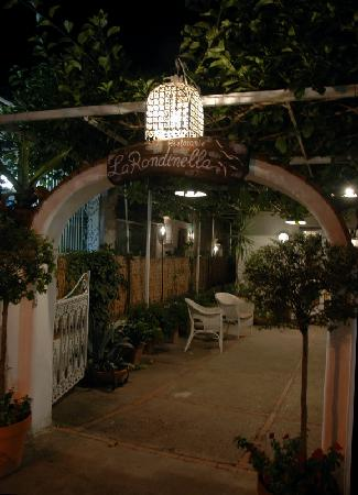 Hotel Carmencita: La Rondinella - family run for over 50 years. Friendly, and delicious meals