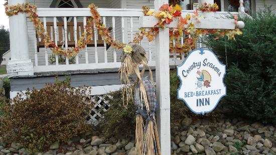 Country Seasons Bed & Breakfast Inn: A Lovely Welcome
