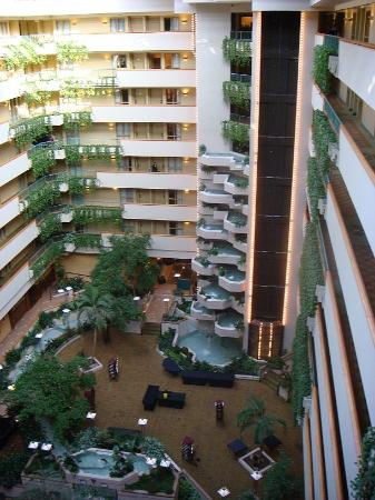 Embassy Suites by Hilton Hotel Des Moines Downtown: The atrium at Embassy Suites, Des Moines, from the 8th floor