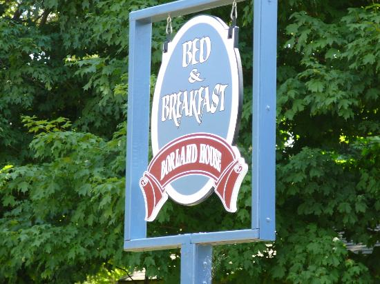 The Borland B&B and Brunch House Restaurant: The Borland House sign