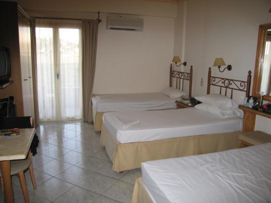 Socrates Hotel: Apartment Room (Ian T)