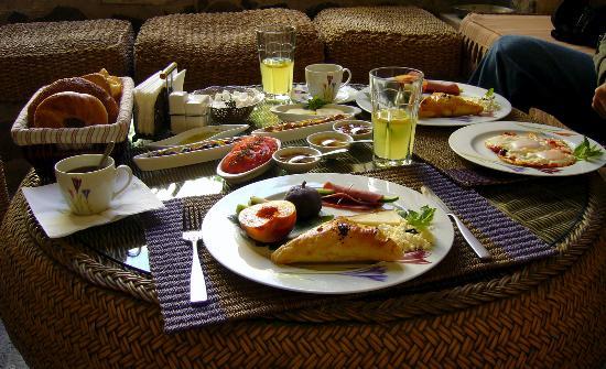Sacred House: Breakfast :)