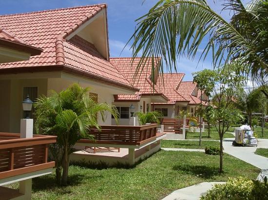 Baramie Residence: Bungalow area