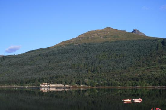Long Shadows B&B: Sunrise at Loch Long