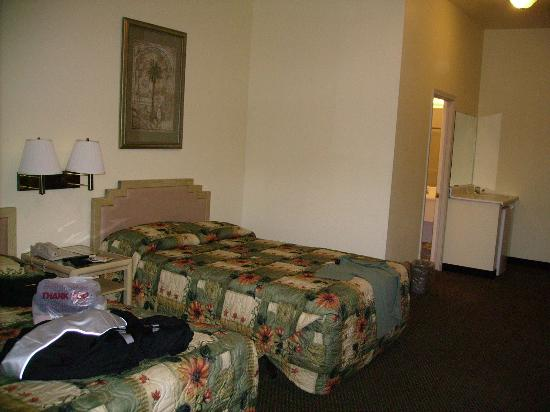 Stagecoach Hotel and Casino: huge room