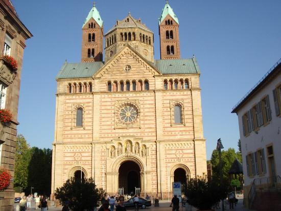 Dom zu Speyer: Front of Speyer Cathedral