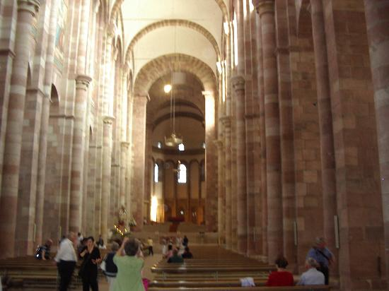 Dom zu Speyer: Inside View of Cathedral