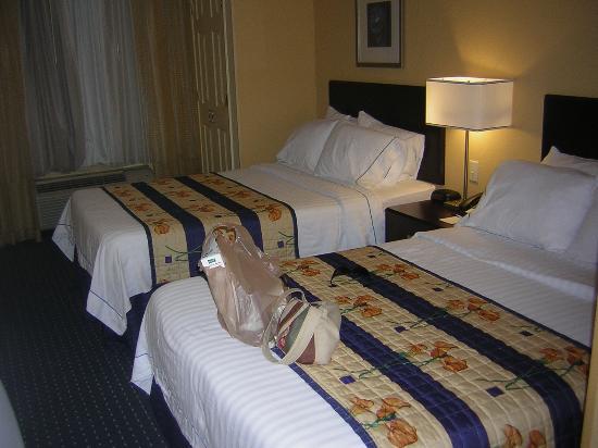 SpringHill Suites St. Petersburg Clearwater: sleeping area