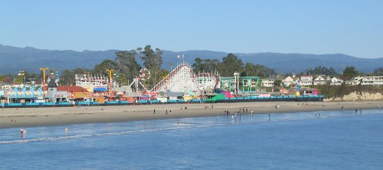 Σάντα Κρουζ, Καλιφόρνια: Santa Cruz Boardwalk from Wharf in November
