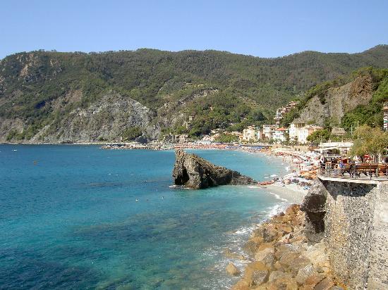 Hotel Villa Steno: Monterosso - 1st beach at the station