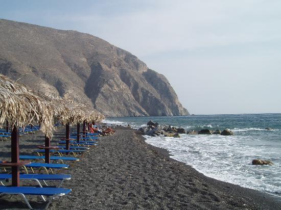 the beach - Picture of Veggera Hotel, Perissa - TripAdvisor