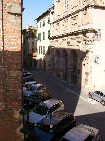 Hotel Noblesse: View from French doors of our room-no balcony for sitting but nice street views and quiet locati