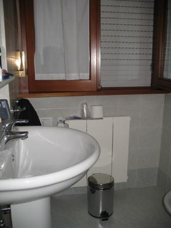 Casa per Ferie Mater Mundi: restroom