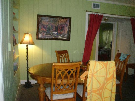 Gulfside Resorts: Dining room table