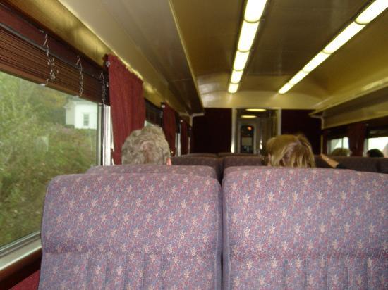 Maine Eastern Railroad: Comfortable plush vip seating