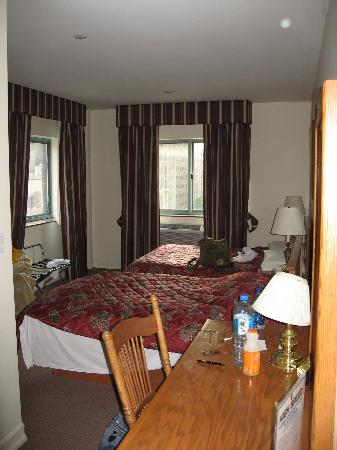 Chelsea Savoy Hotel: Room