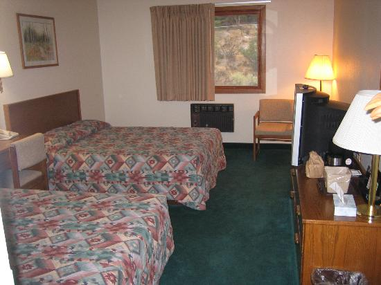Super 8 Gardiner/Yellowstone Park Area: Room with 2 double beds