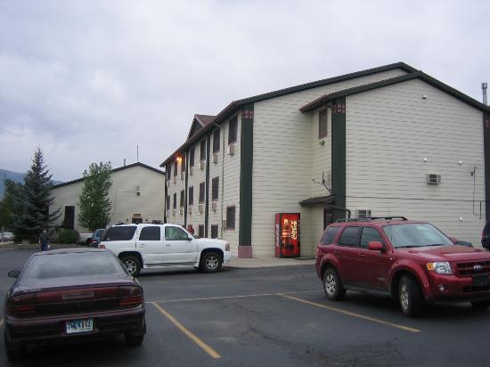 Super 8 Gardiner/Yellowstone Park Area: Hotel exterior