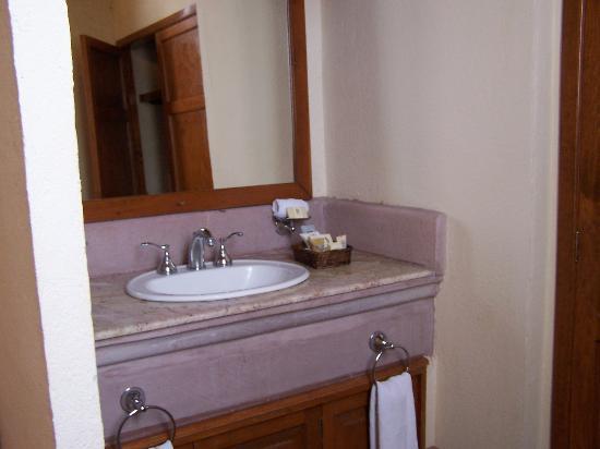 Hotel Quinta Santiago: Sink