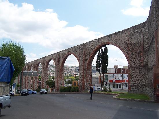 Hotel Quinta Santiago: Aquaduct