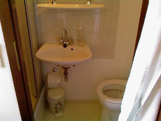 Relax-Hotel : sanitäre Einrichtungen ---> Bad