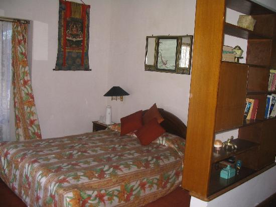 Himalayan Hotel: A typical room in new block