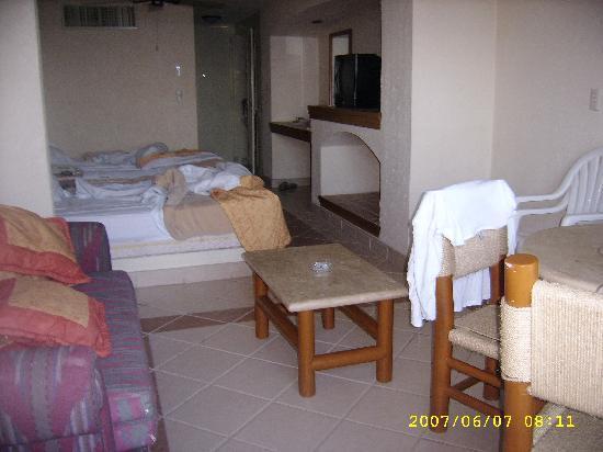 Don Pelayo Pacific Beach Hotel Mazatlan: la habitacion