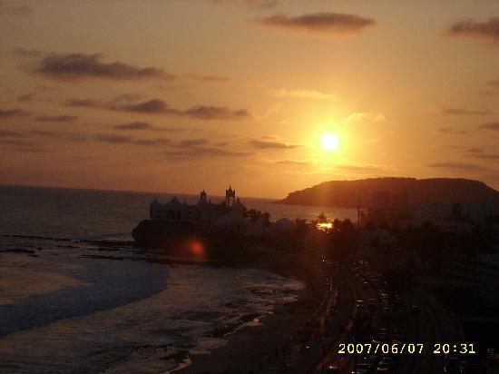 Don Pelayo Pacific Beach Hotel Mazatlan: atardecer en mazatlan