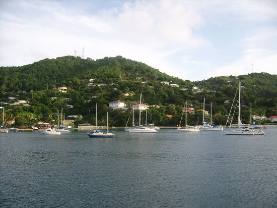 ‪‪Bequia‬: View going into the port‬