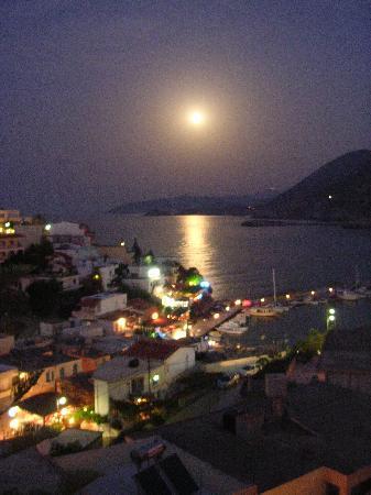 Aparthotel Sofia Mythos Beach: full moon from balcony