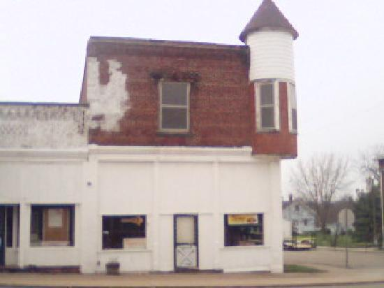 West Lebanon, IN: Variety Store