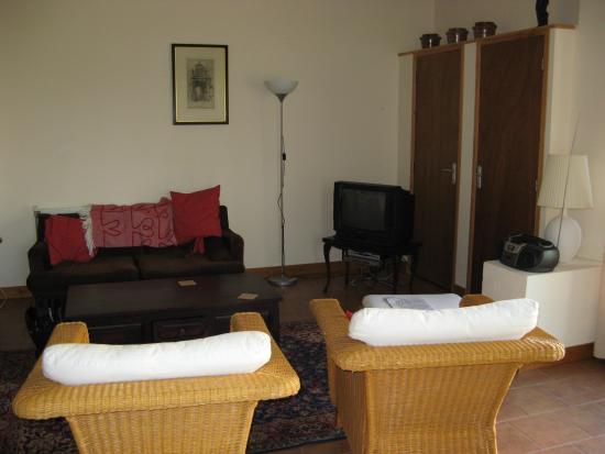Daramousque: Living room