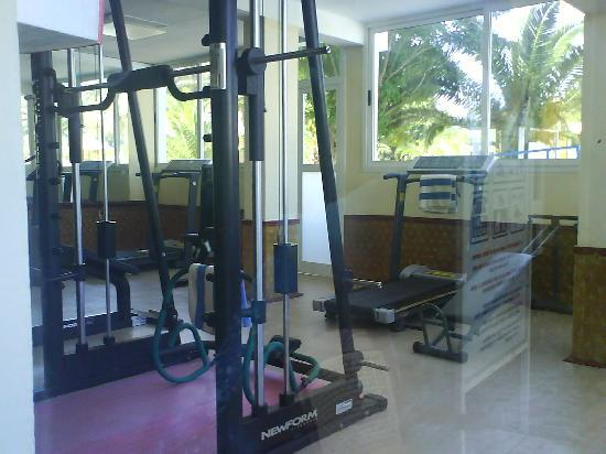 Hotel Abou Sofiane : The gym by the indoor pool