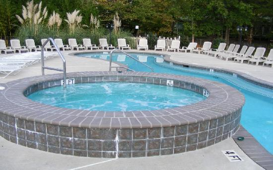 Paradise Valley Resort: Outdoor hot tub and Conversation Pool - heated