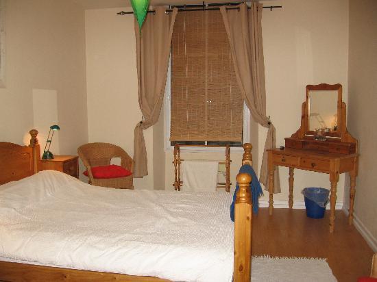21/10 Blair Street: bedroom